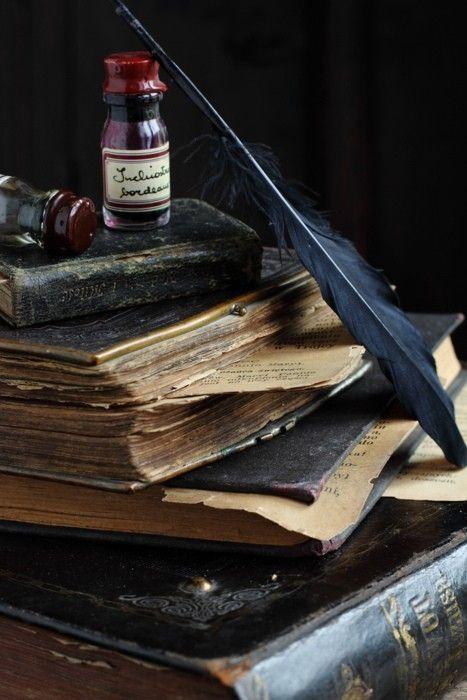 45df7930a4e1f0fe03dcc23b91f25210--antique-books-old-books.jpg