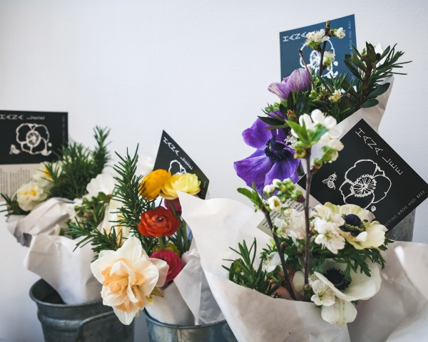 Hana Lee bee friendly bouquets by Lee More Crawford