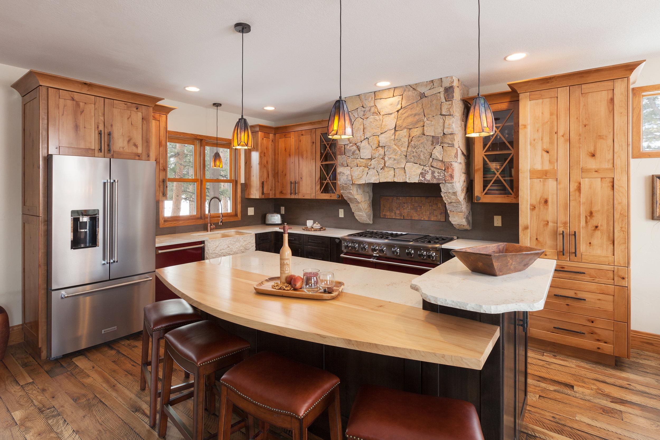 KitchenWide2.jpg