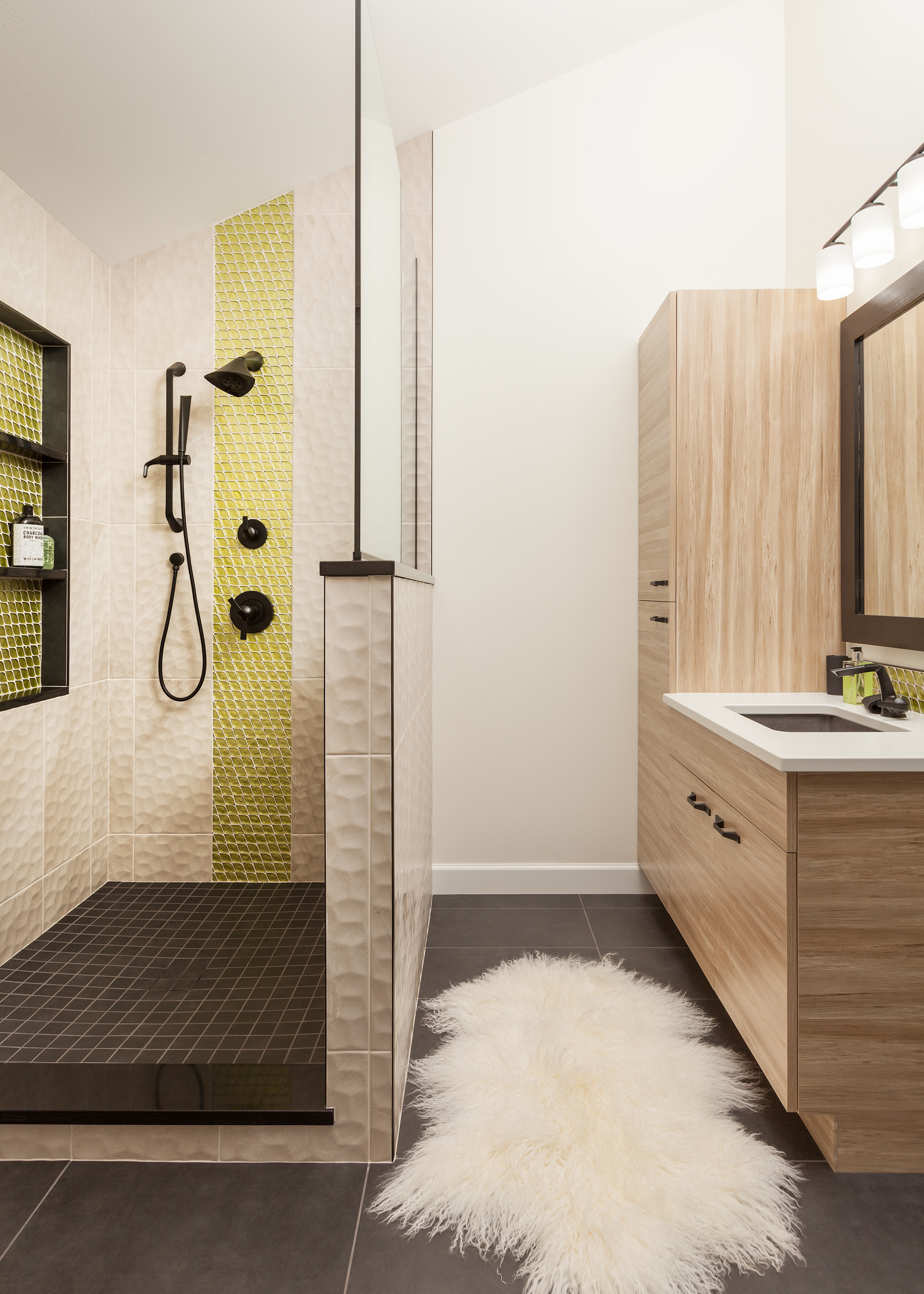 resolute. color.  master suite.