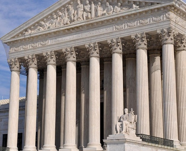 2-us-supreme-court-building-in-washington-dc-brandon-bourdages-e1416342204668.jpg