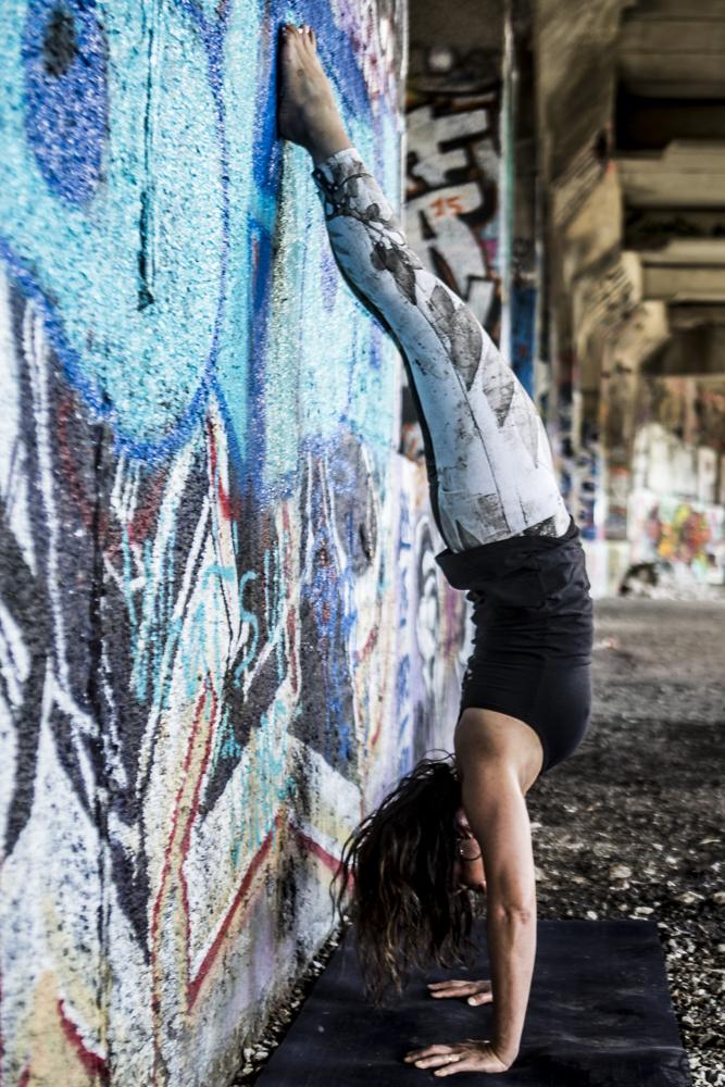 Graffiti hand stand