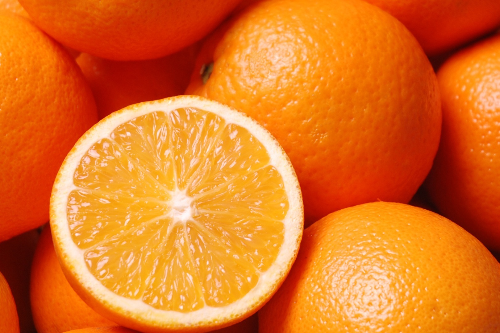 5.  Smell an orange. Try eating/smelling an orange every morning for breakfast or dabbing orange oil on your wrists. Studies have found that the scent of an orange can boost mood, decrease stress and make you feel more alert!