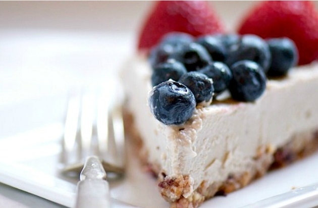 4.  Red, White, and Blueberry Vegan Cheesecake . See recipe  here .