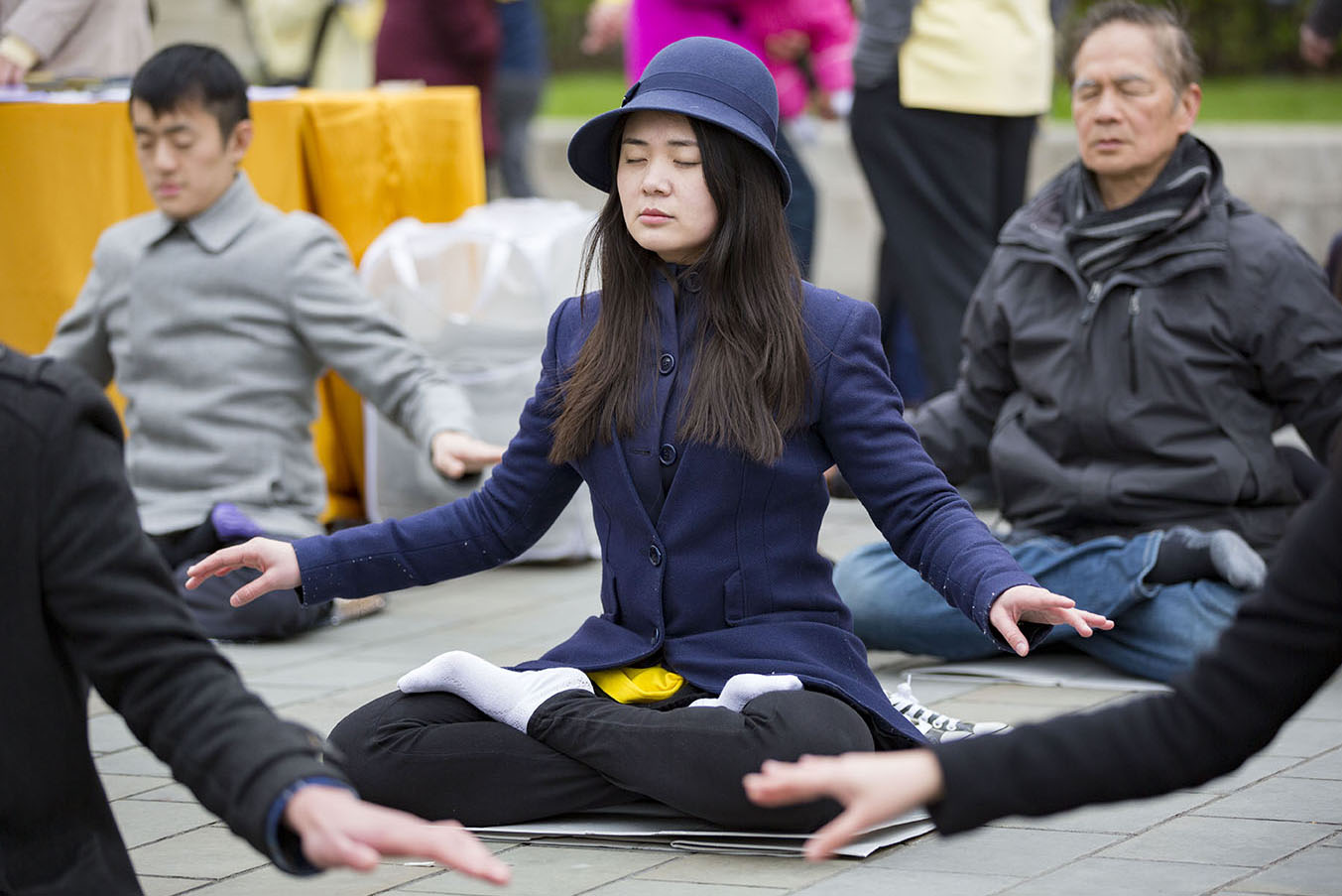 24th April 2016 the peaceful appeal against the persecution of Falun Gong continues