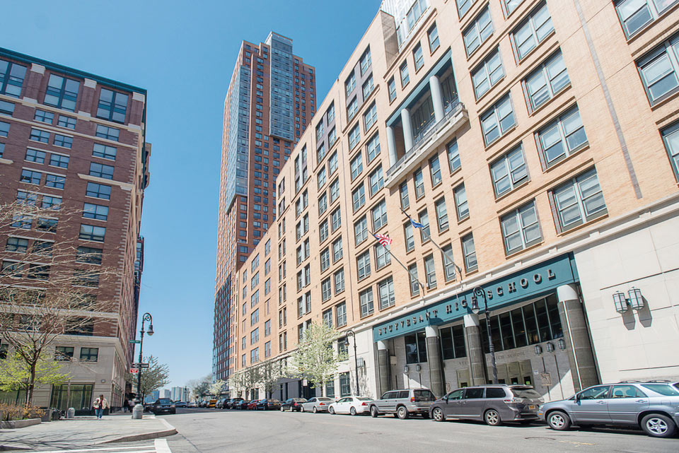 Off Campus Apartments NYC - TriBeCa NYU Housing 2.jpg