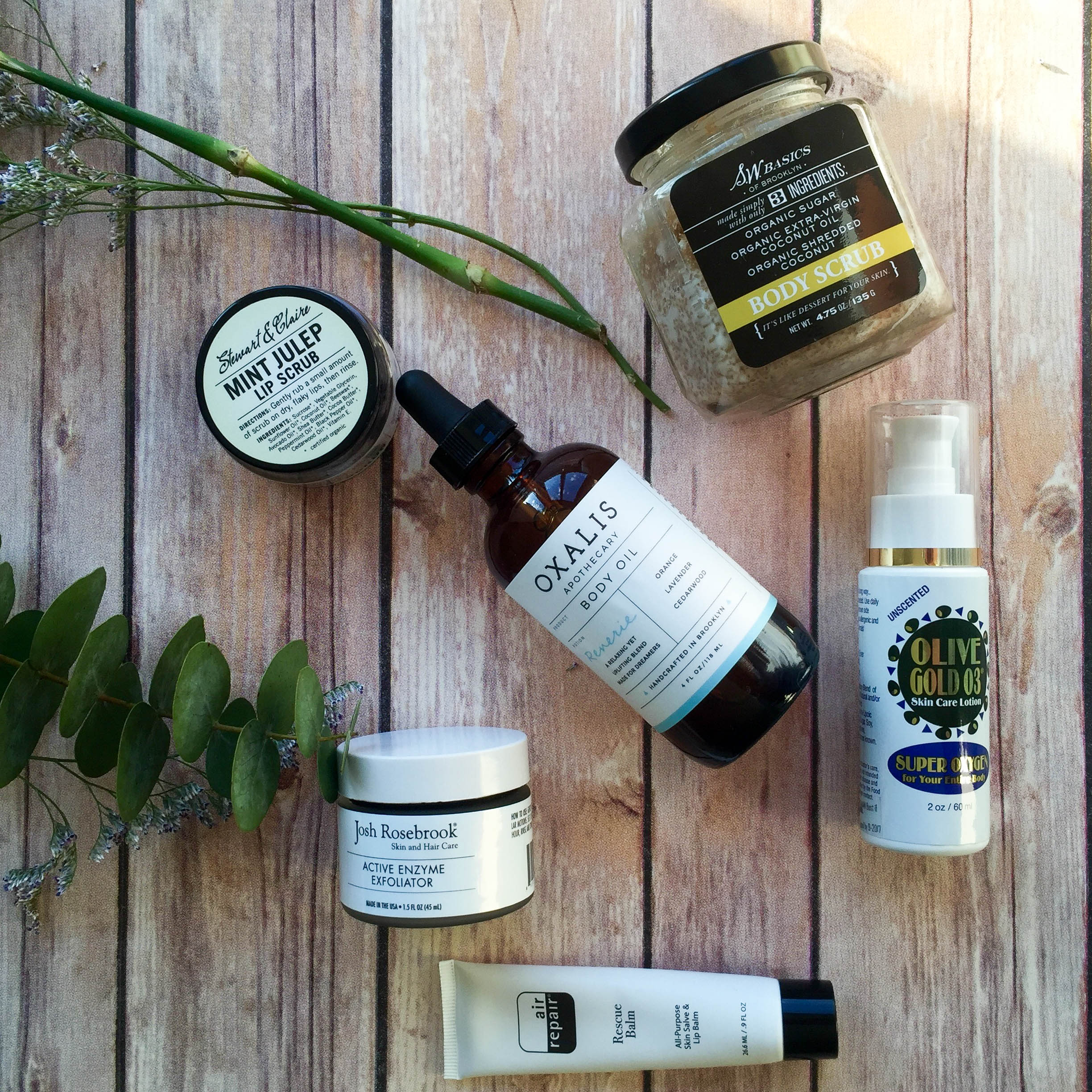 Exfoliating natural organic products face