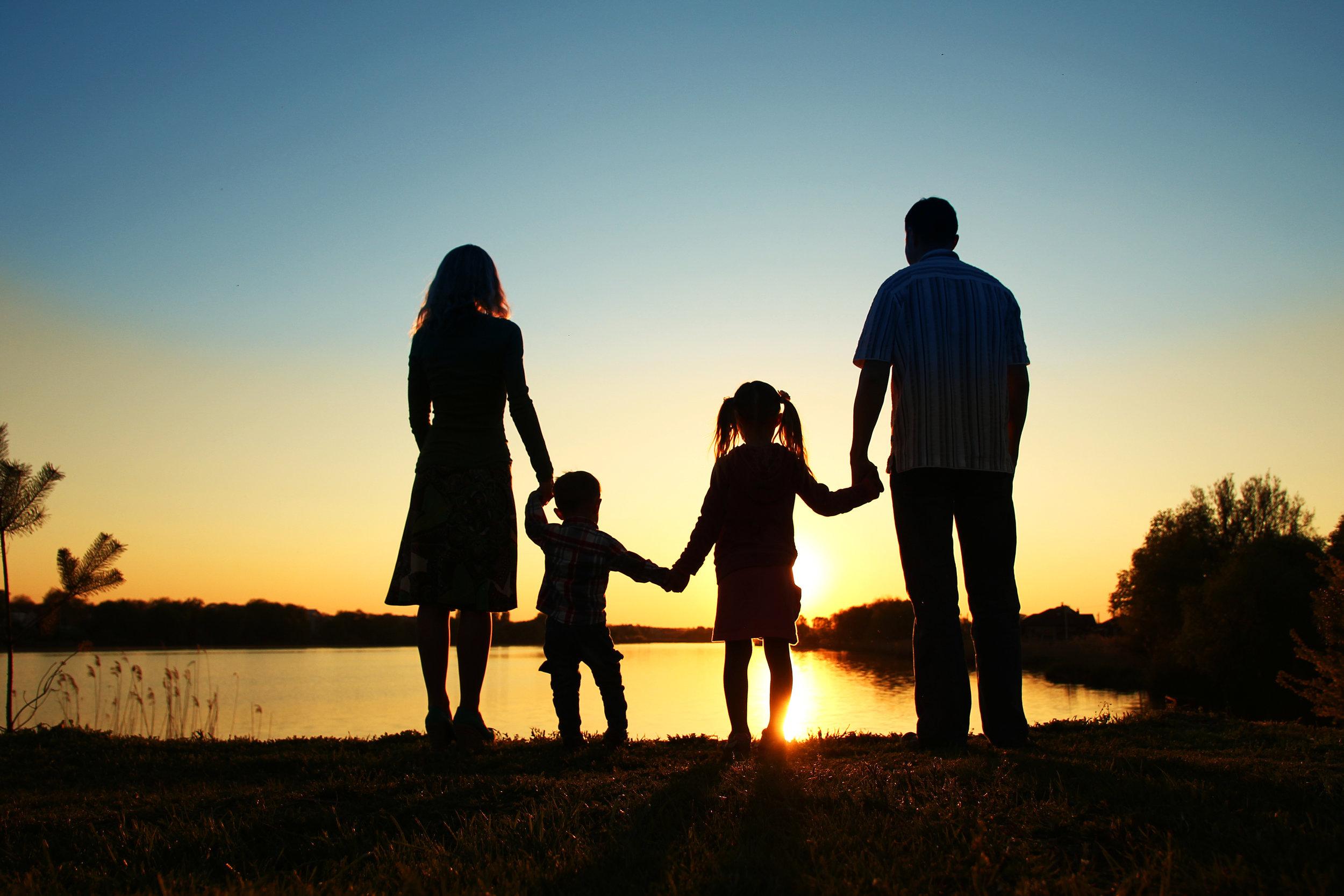 Sillouette family.jpg