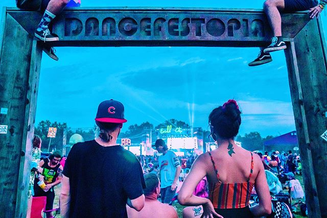 Takin' a peep at main stage 👀 . Thank you, @dancefestopia!!! And thank you @grate.lifestyle for your amazing  talents with the lens!!! . We love y'all so much! 💕✨