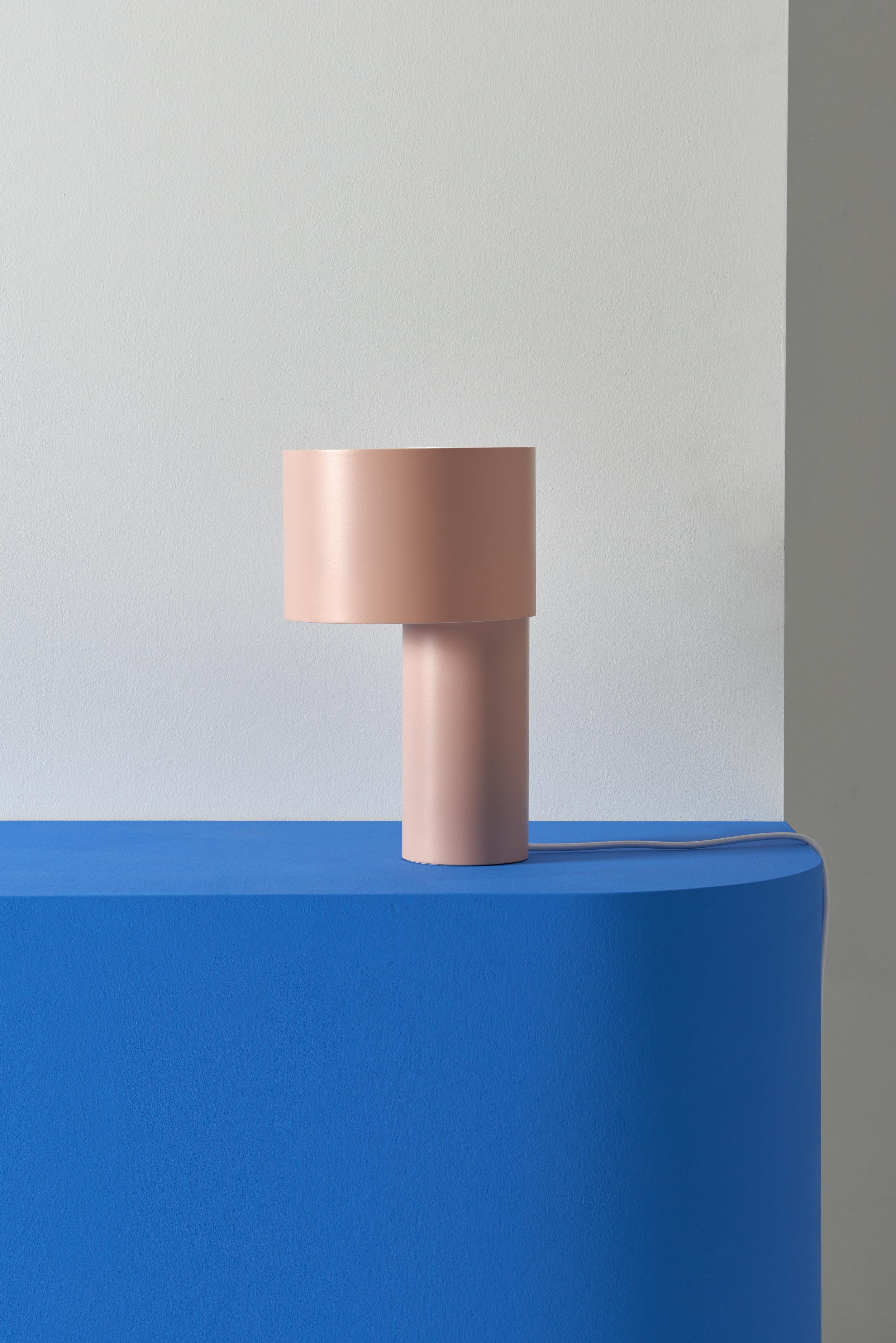 TANGENT_TABLE_LAMP_Frederik_Kurzweg_04.jpg