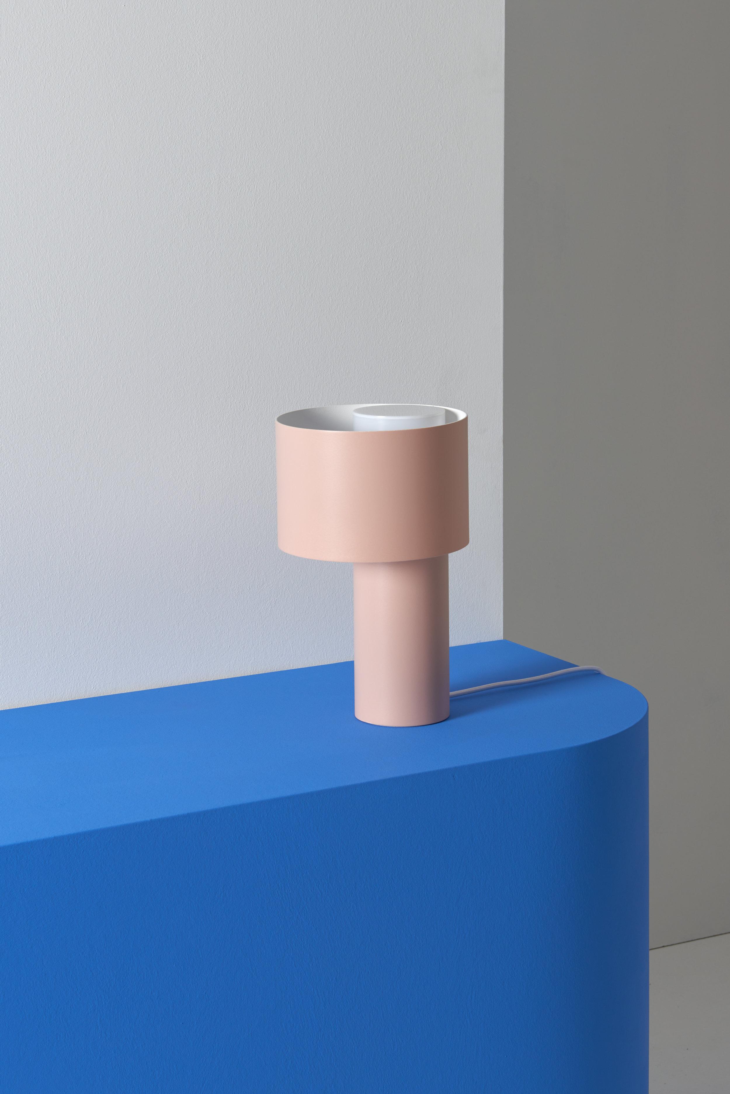 TANGENT_TABLE_LAMP_Frederik_Kurzweg_05.jpg