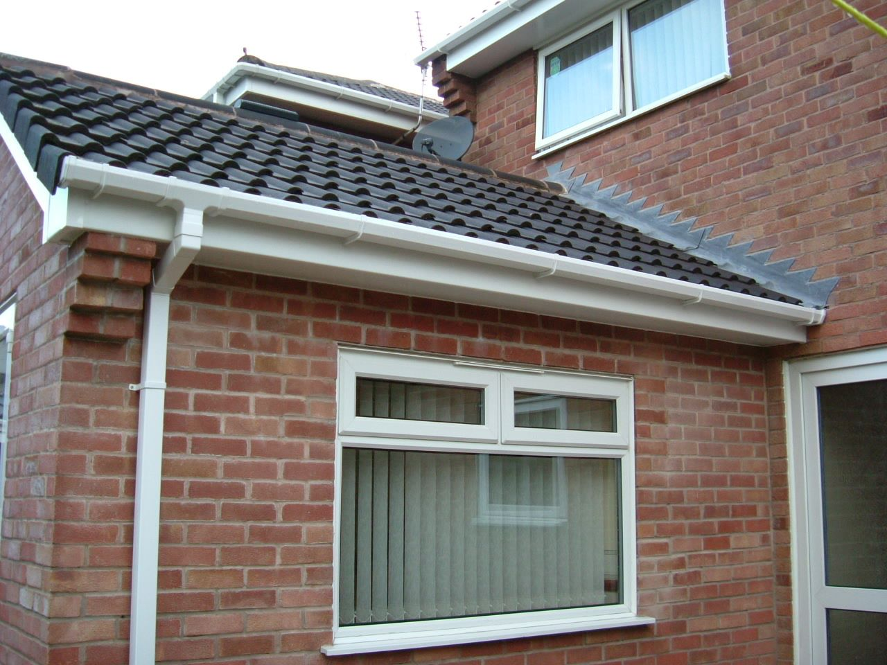 Soffits-Fascias-and-Guttering-in-white-upvc.jpg
