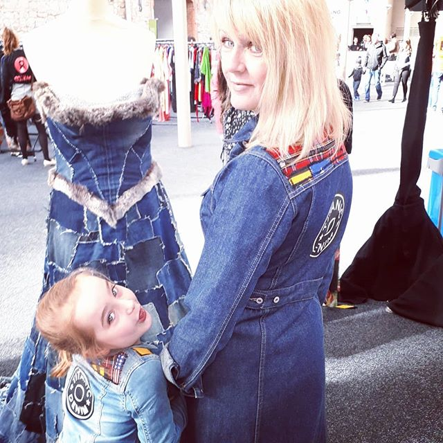 #whomademyclothes All @titanicdenim designs are handmade using #reclaimedvintagedenim #reclaimedjeans  #reclaimeddenim  garments.  They are all created with a❤and a Conscience in order to have a #positiveimpact on our environment! This weekend we will be doing live workshops to demonstrate the amazing ways denim can be #customised or #reinvented into new products. Come see us @belfastcitycouncil Spring Fair #Belfast I will be there as always with this little side kick! Aka  #myshadow 😂 Lets minimise our #textilewaste! @fashionfuture_now @fash_revusa