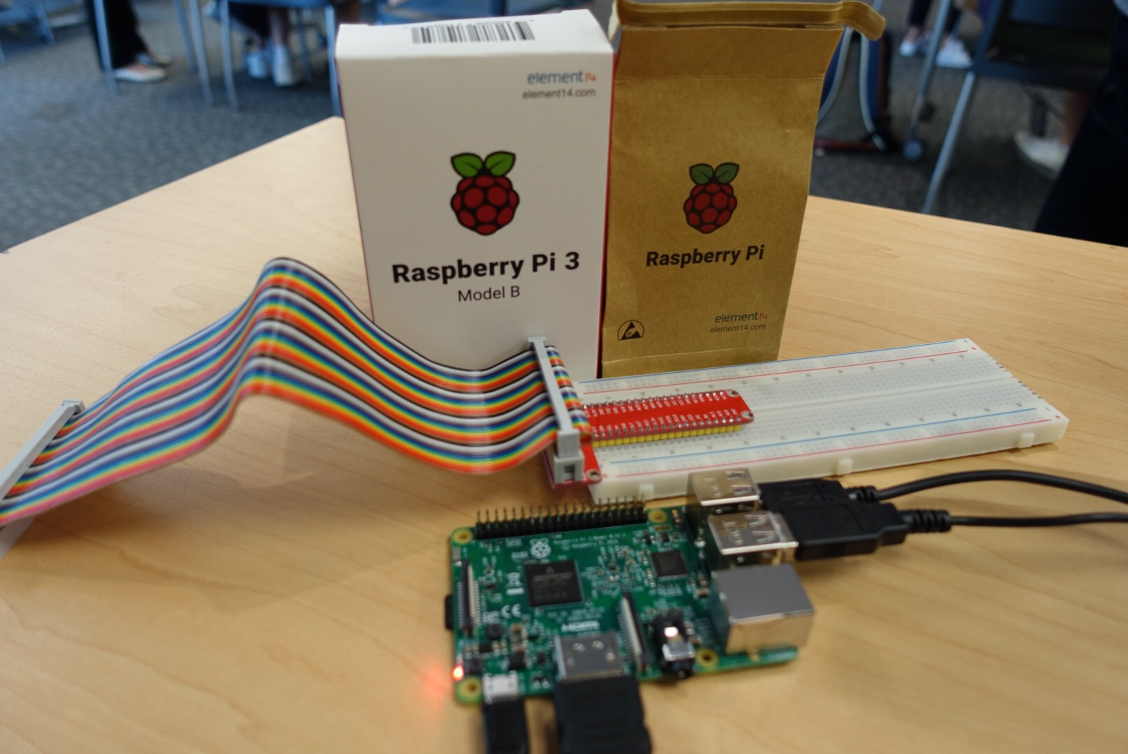Tinkering with electronics on the Raspberry Pi