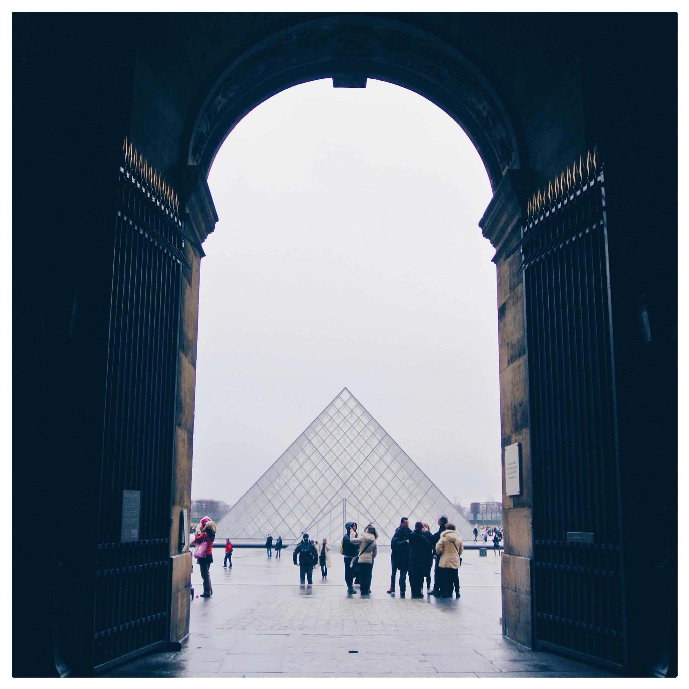 Louvre in fog