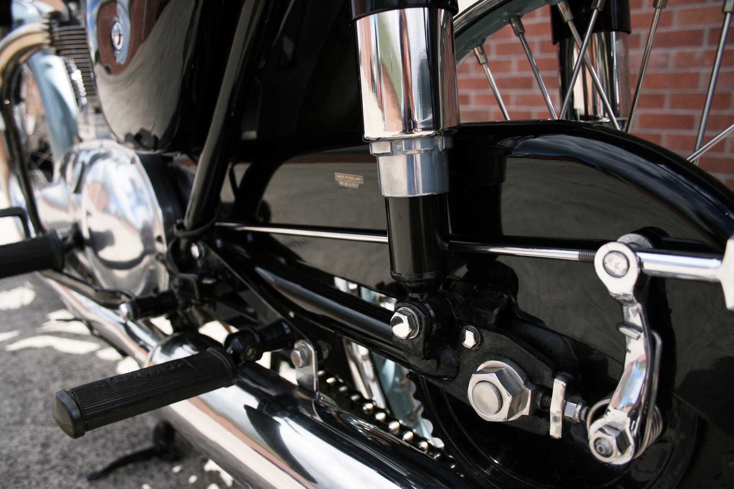 rear susp.jpg