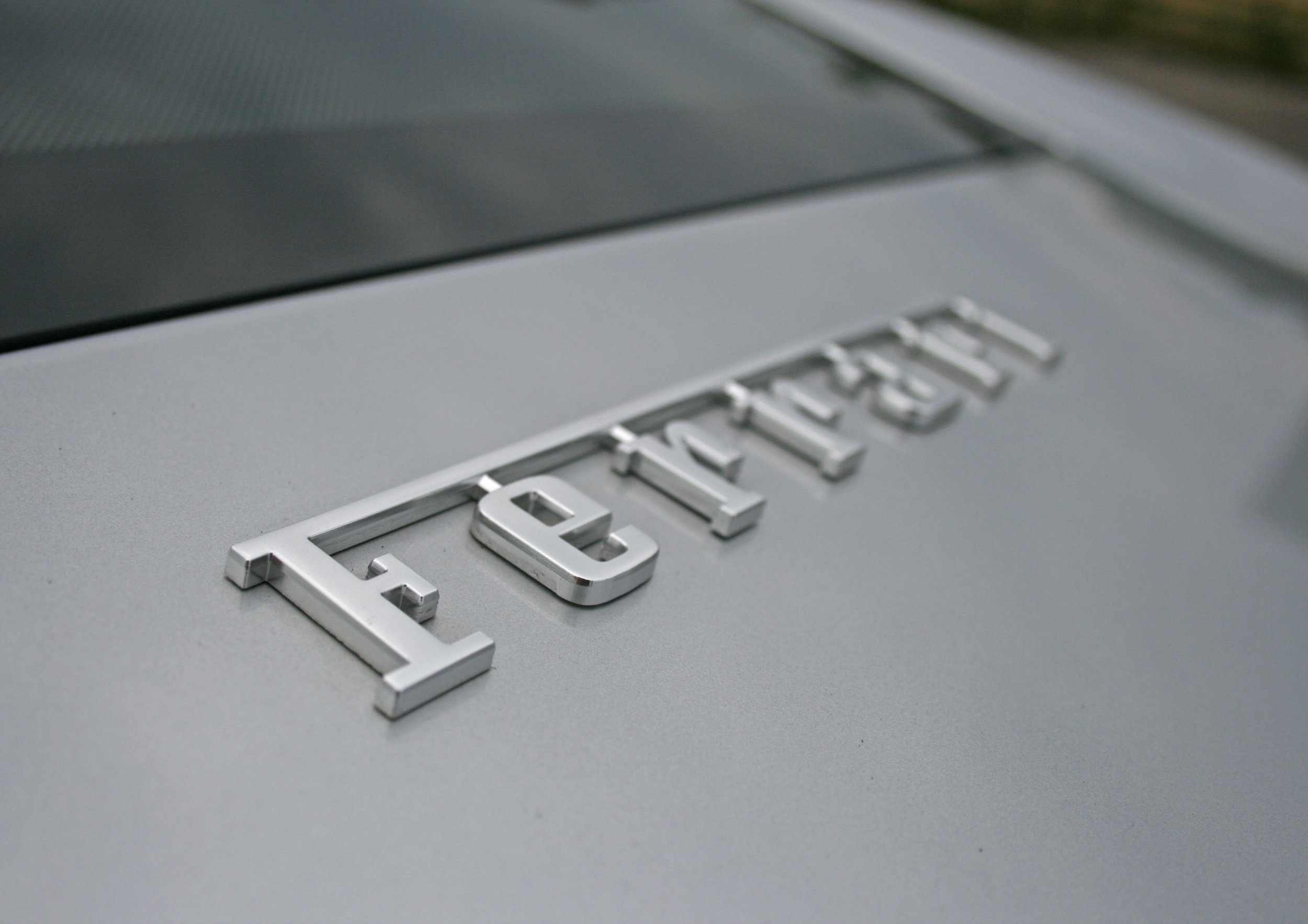 DETAIL FERRARI BADGE.jpg