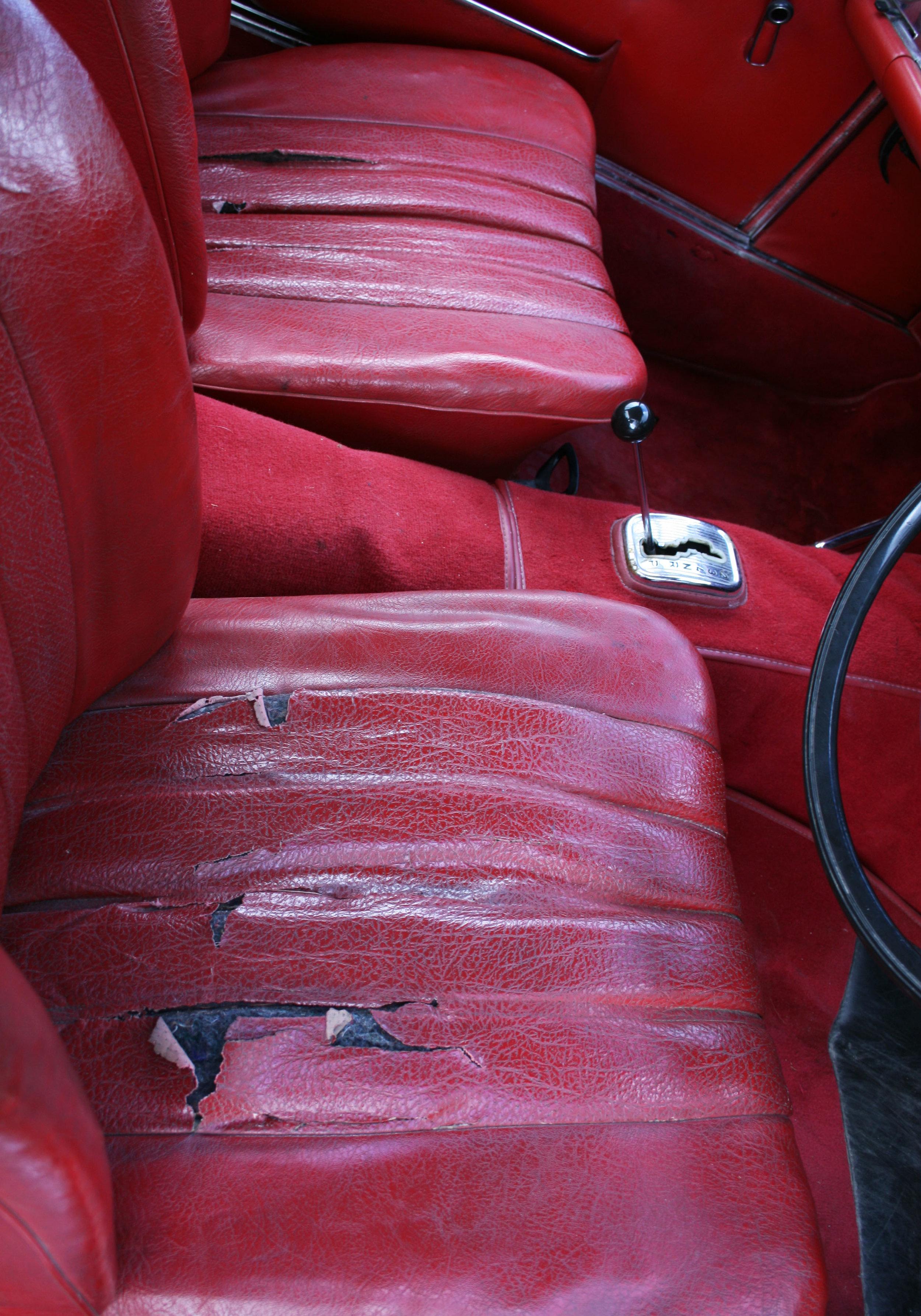 DETAIL SEATS.jpg