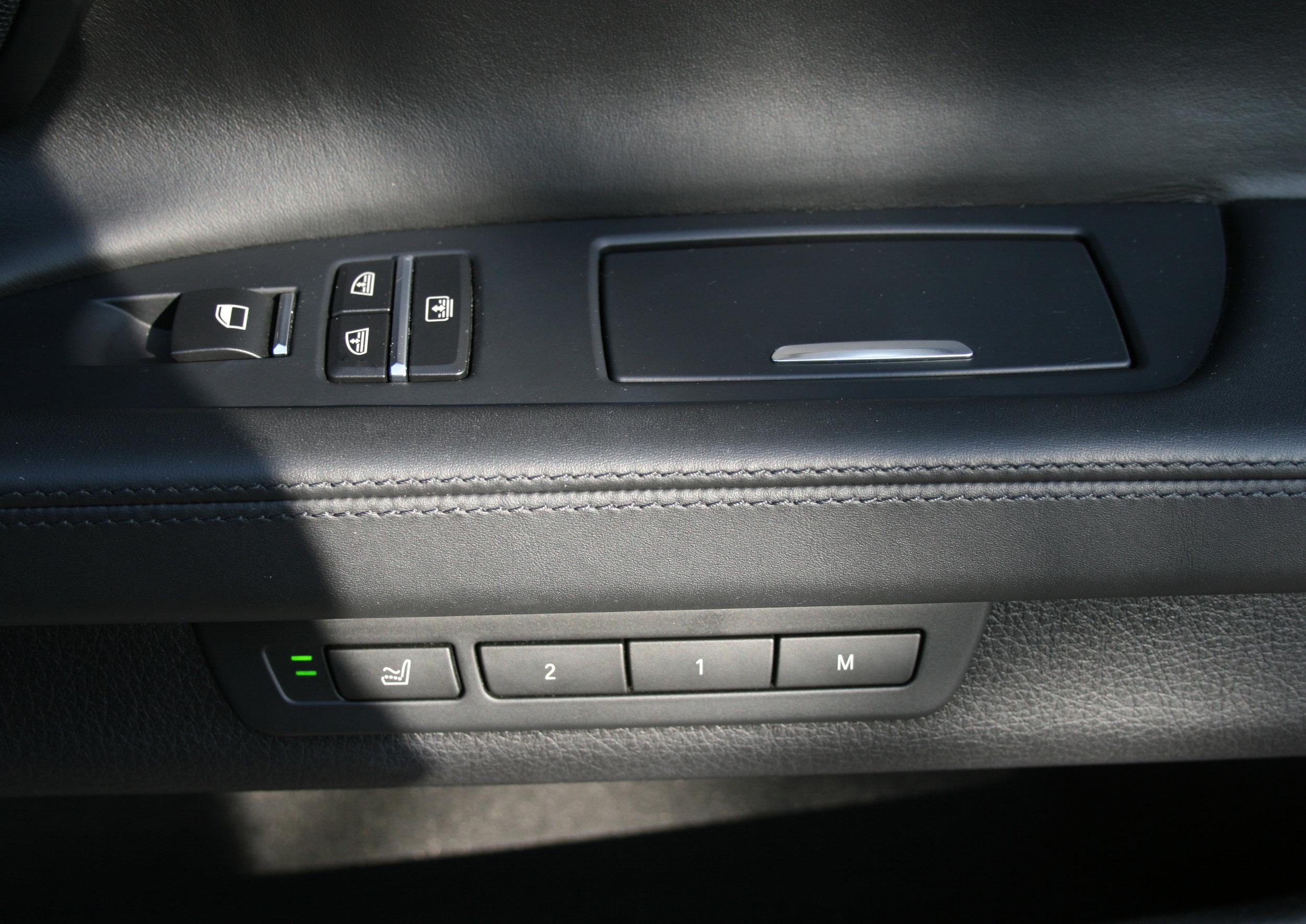 INTERIOR DOOR CONTROLS 3.jpg