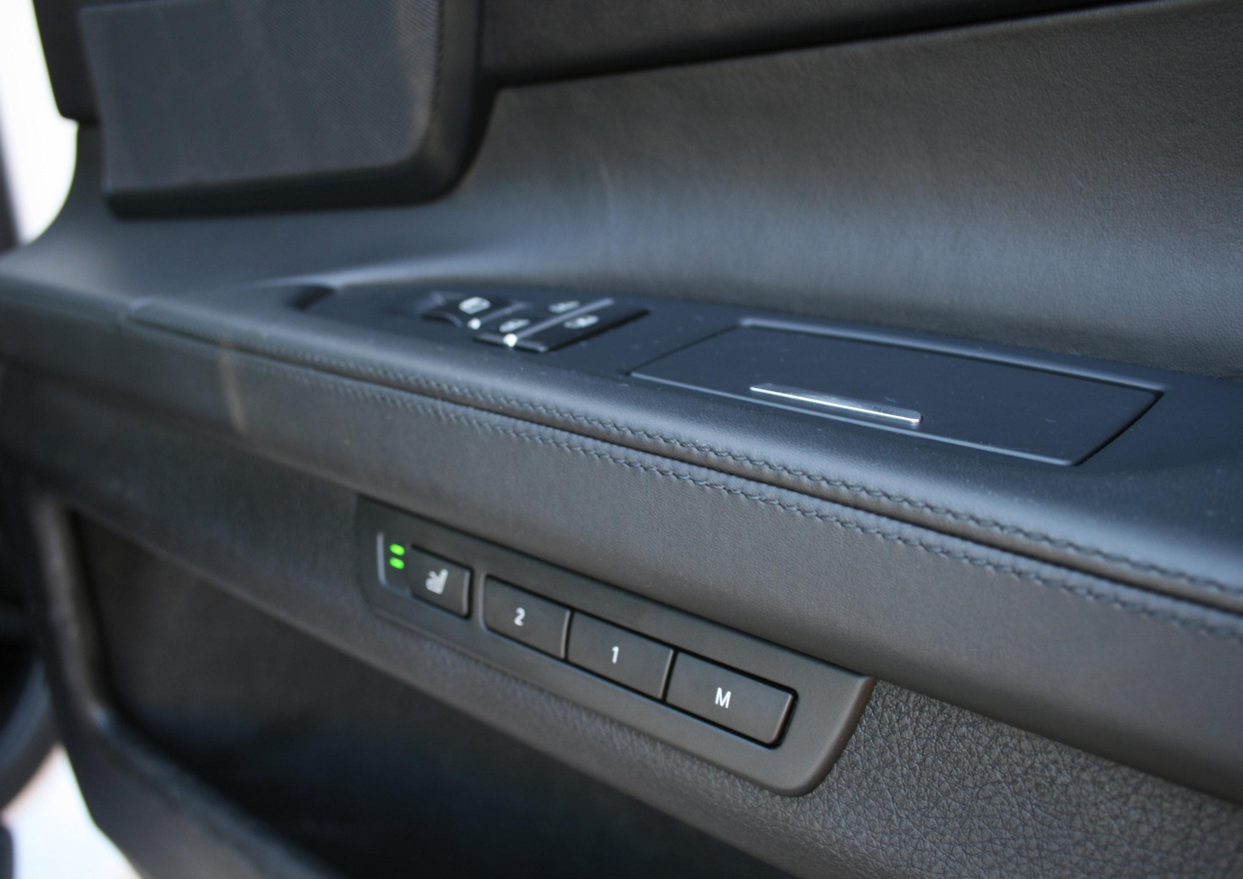 INTERIOR DOOR CONTROLS 2.jpg
