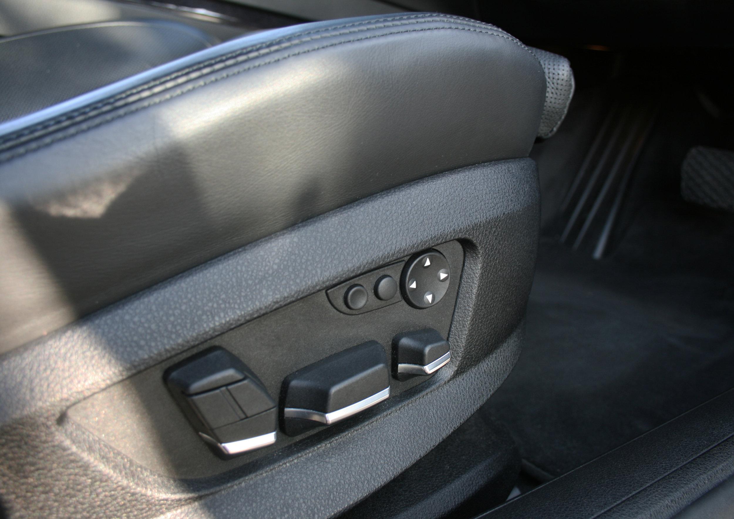 INTERIOR  SEAT CONTROL.jpg