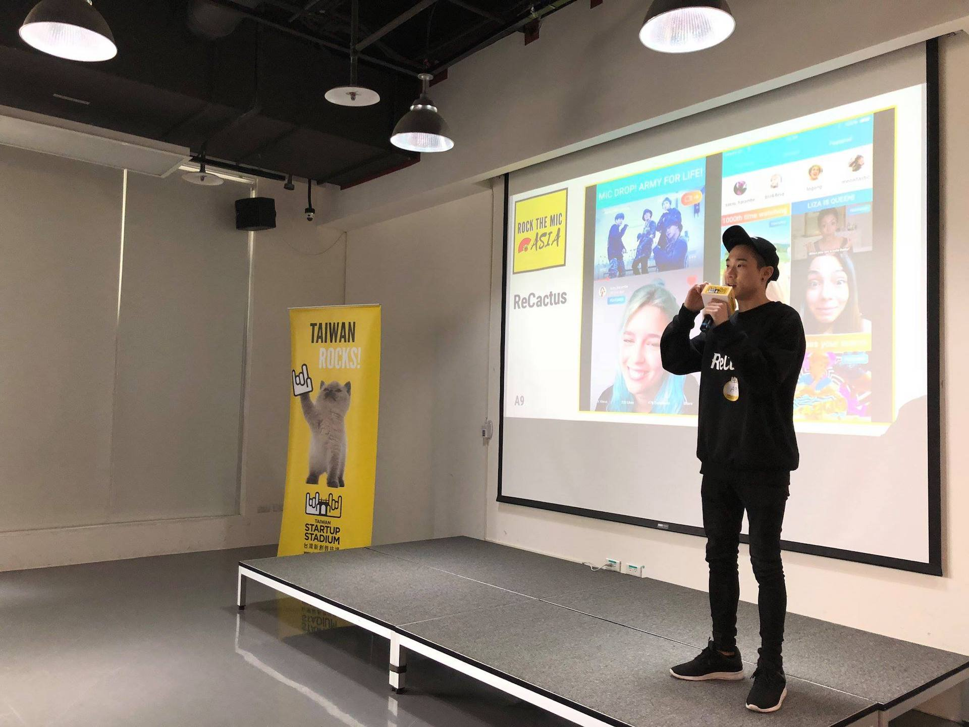 Rock the Mic is a pitching contest for startup to join TSS overseas trip every year, startup teams prepare 2-minute english pitch onstage and try their best to win the chance!.jpg