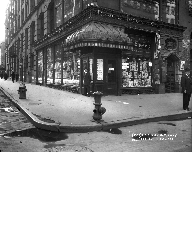 04_1913 Bway and Bleecker, Transit, R5S4_3725_1913.jpg