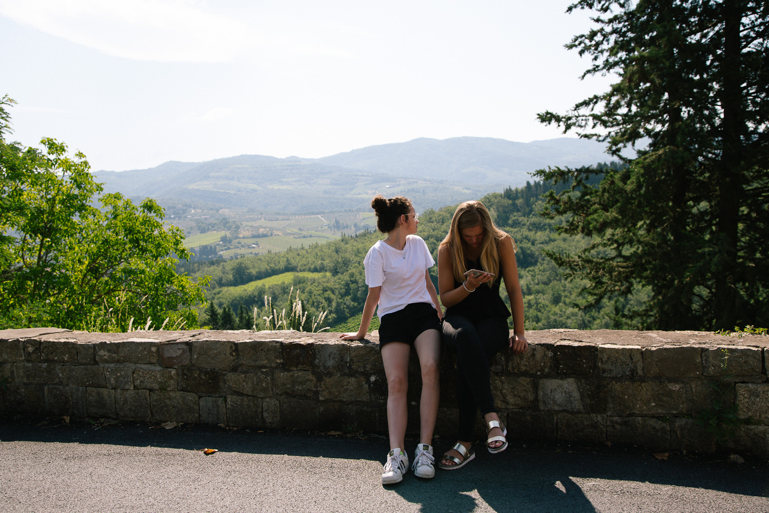 girl's in tuscany