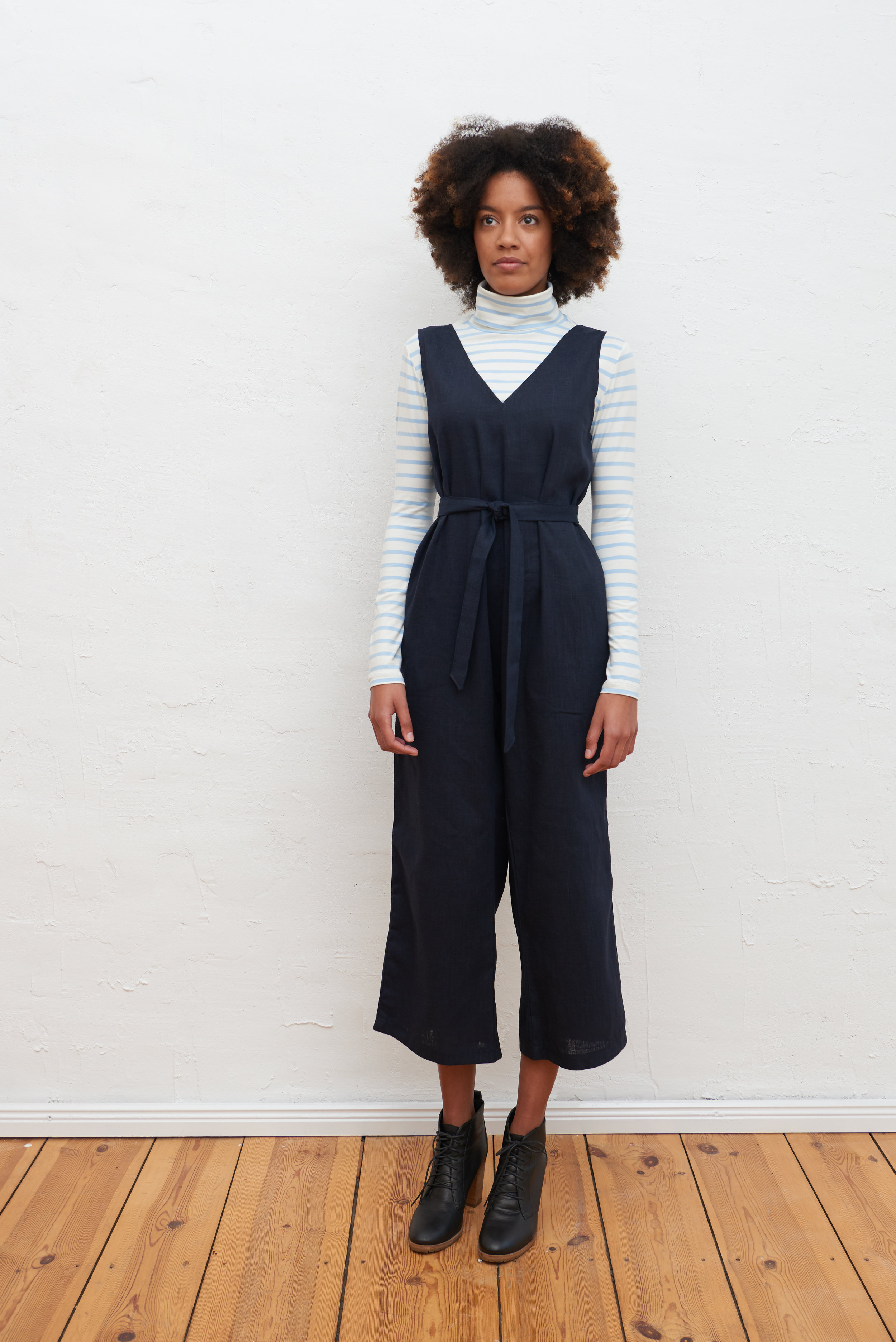 Jumpsuit Navy.jpg