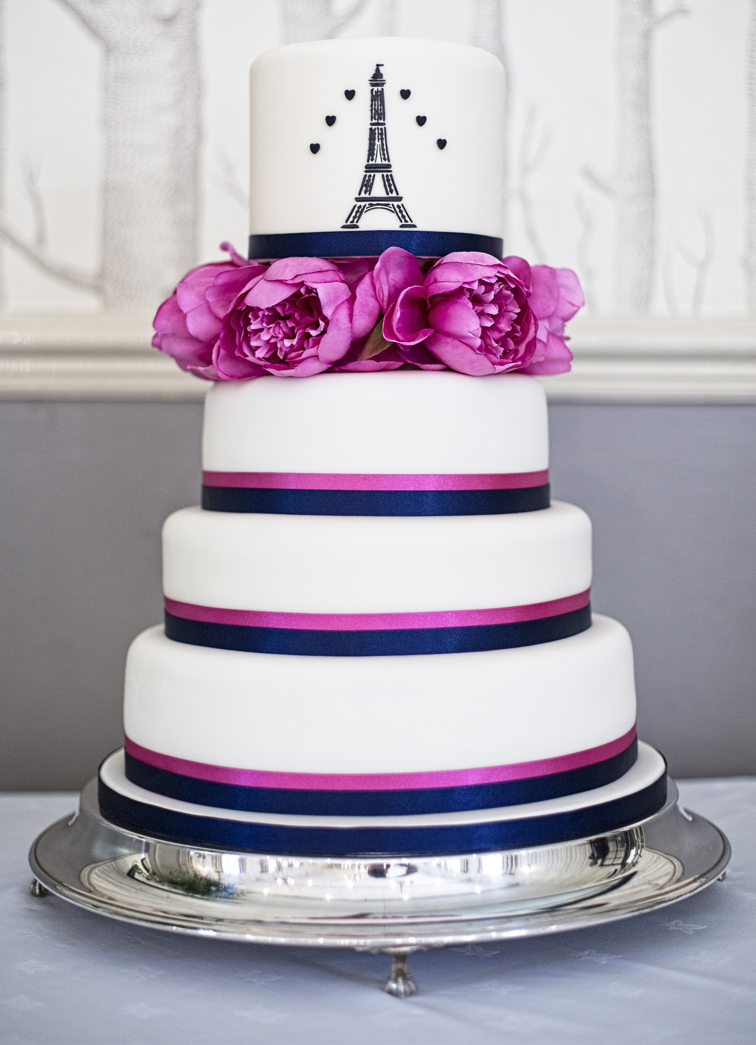 Eiffel Tower Wedding Cake.jpg