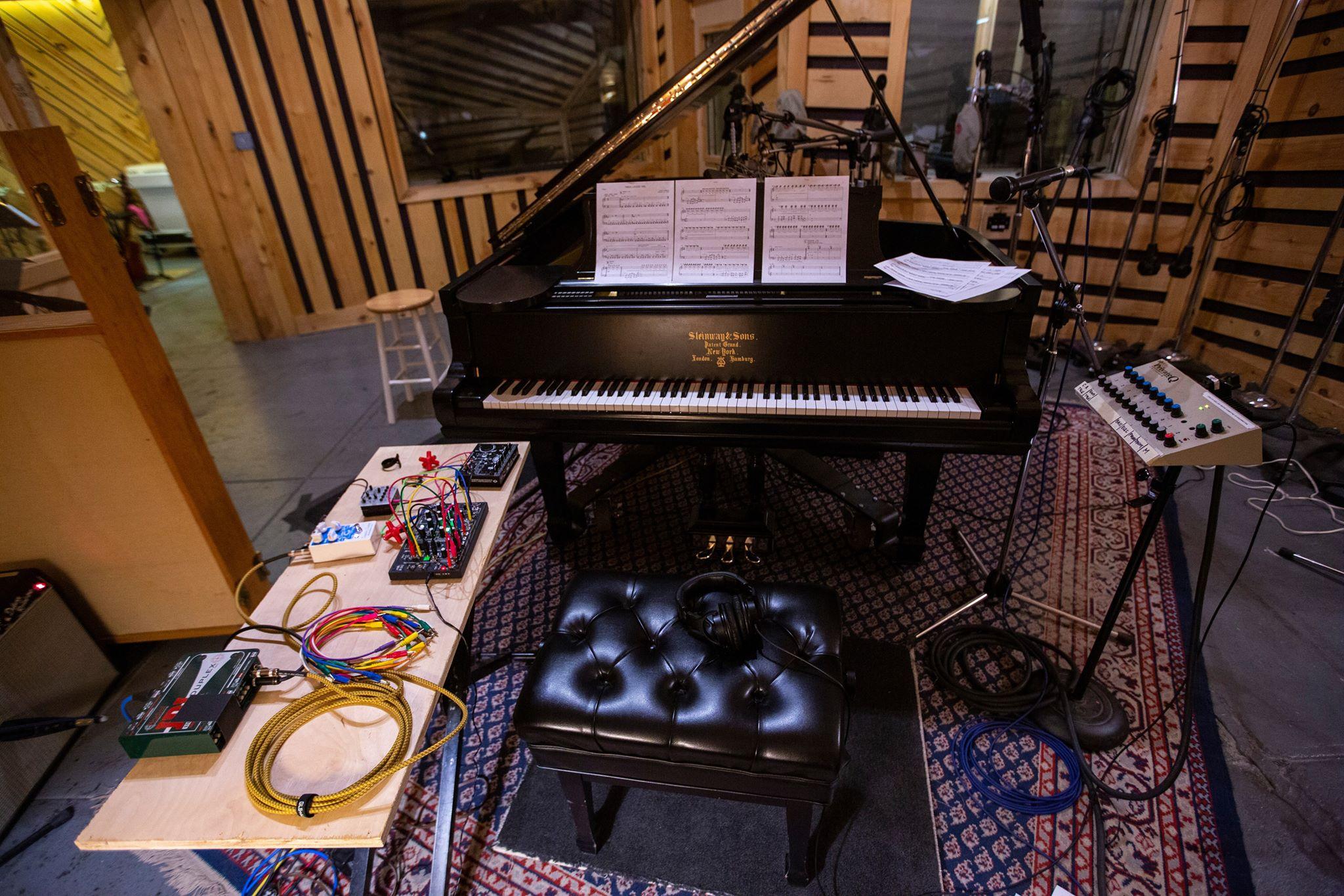 JOE_NY_2019_piano.jpg