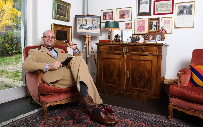 Bariton Bruno von Nünlist in seinem Haus am Hallwillersee