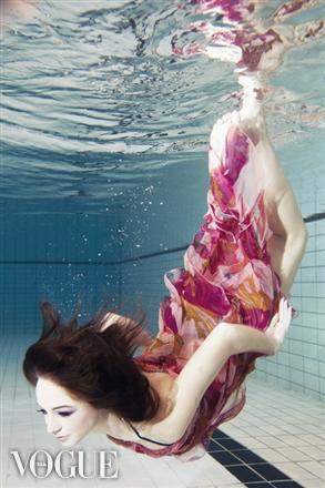 Underwater-makeup-waterproof-makeup