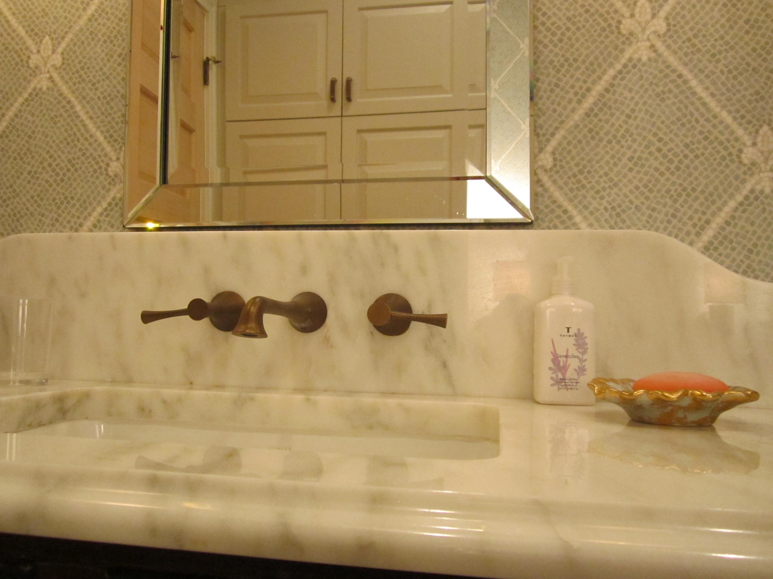 bathrooms 06.jpg