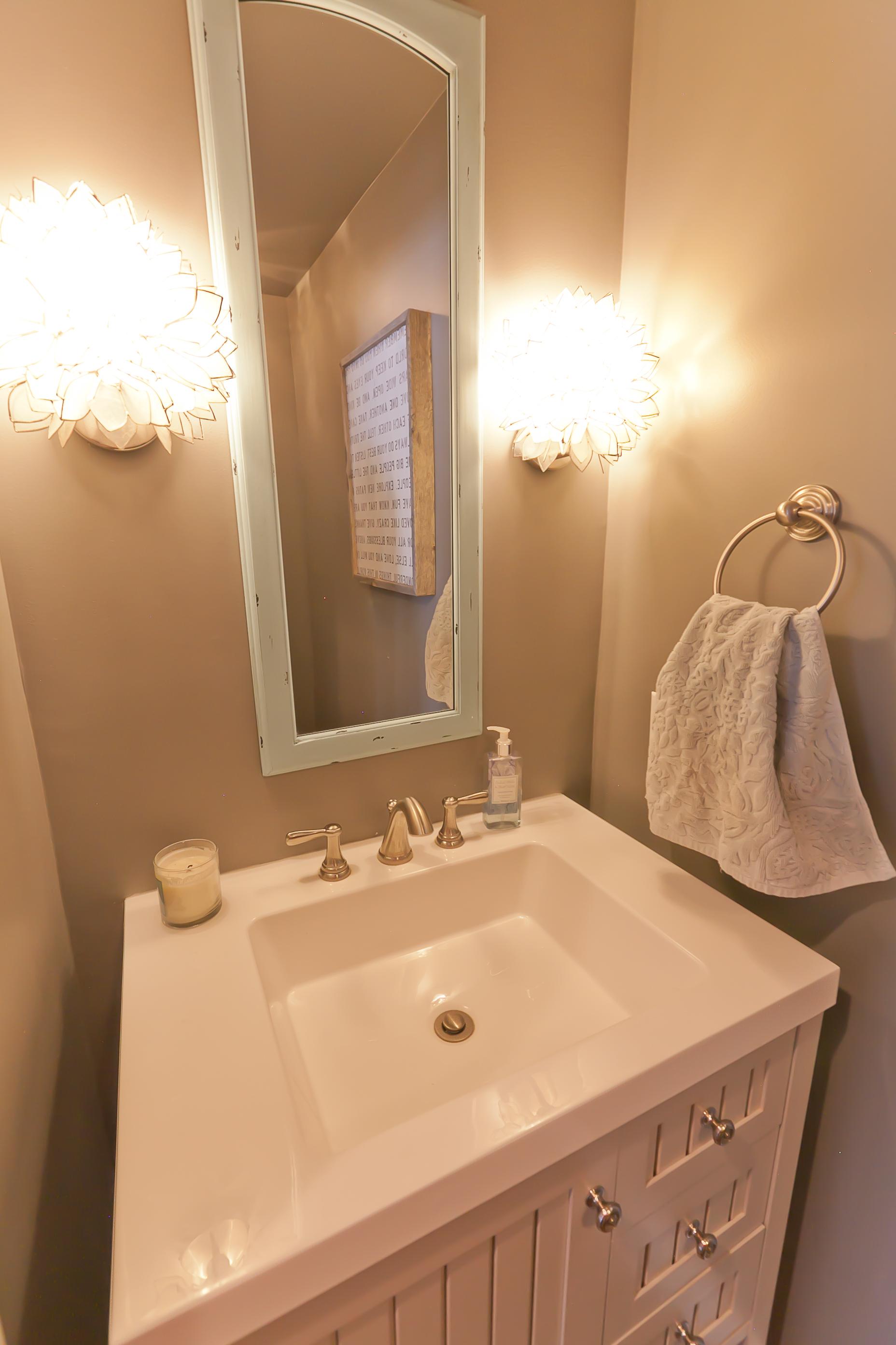 bathrooms 17.jpg