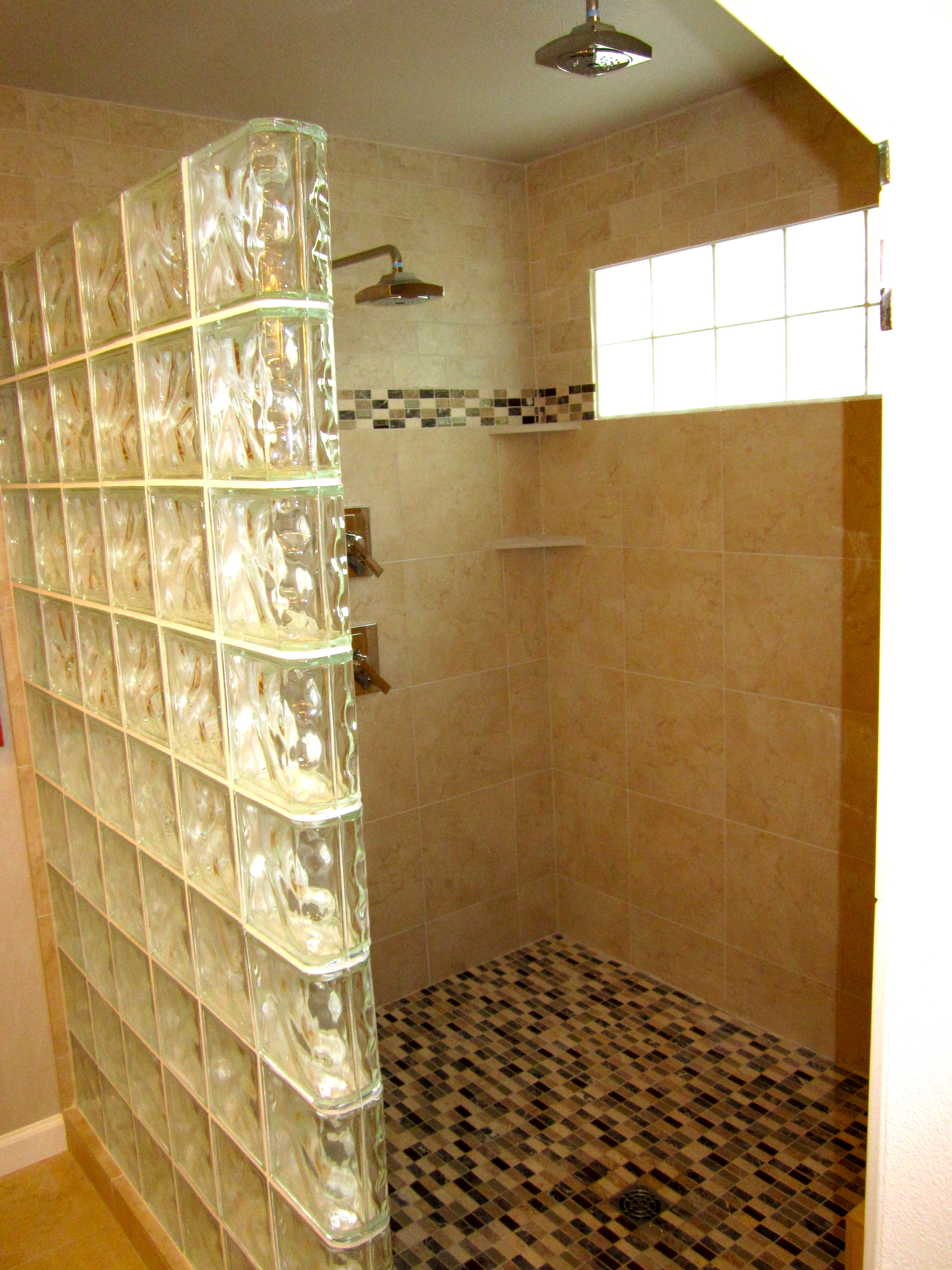 bathrooms 21.jpg