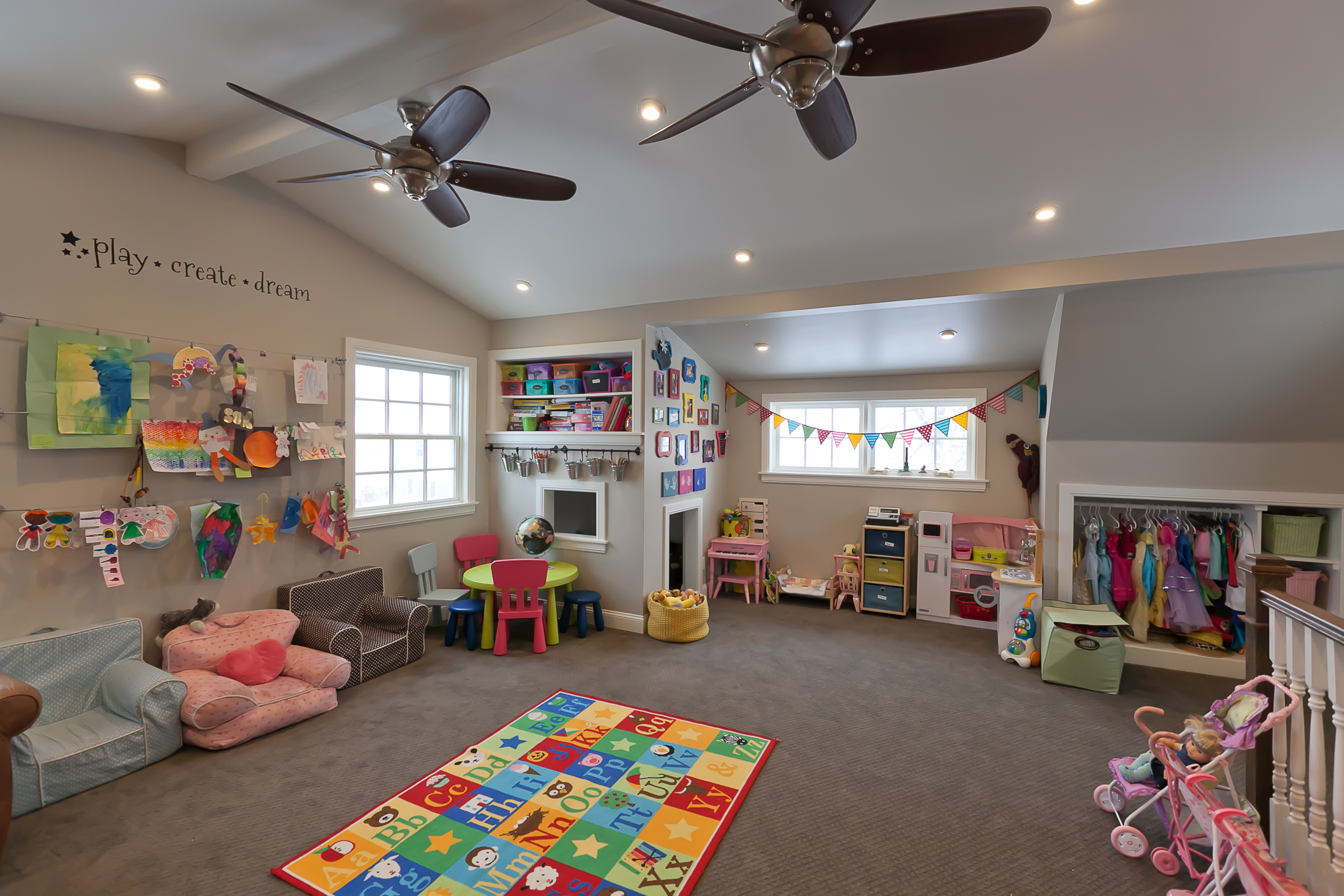Ivanhoe Play Room 02.jpg