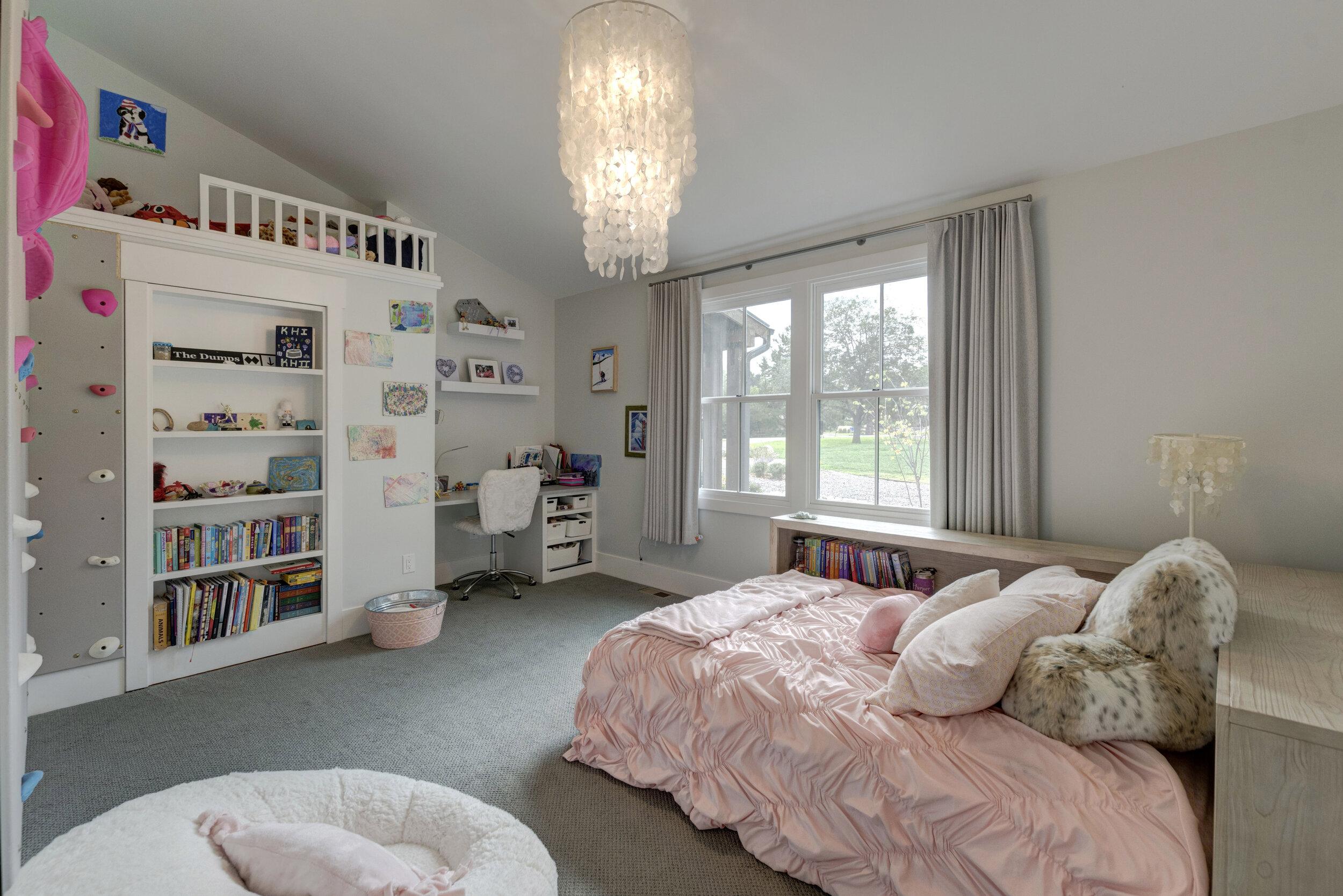 22a Bedroom2.jpg