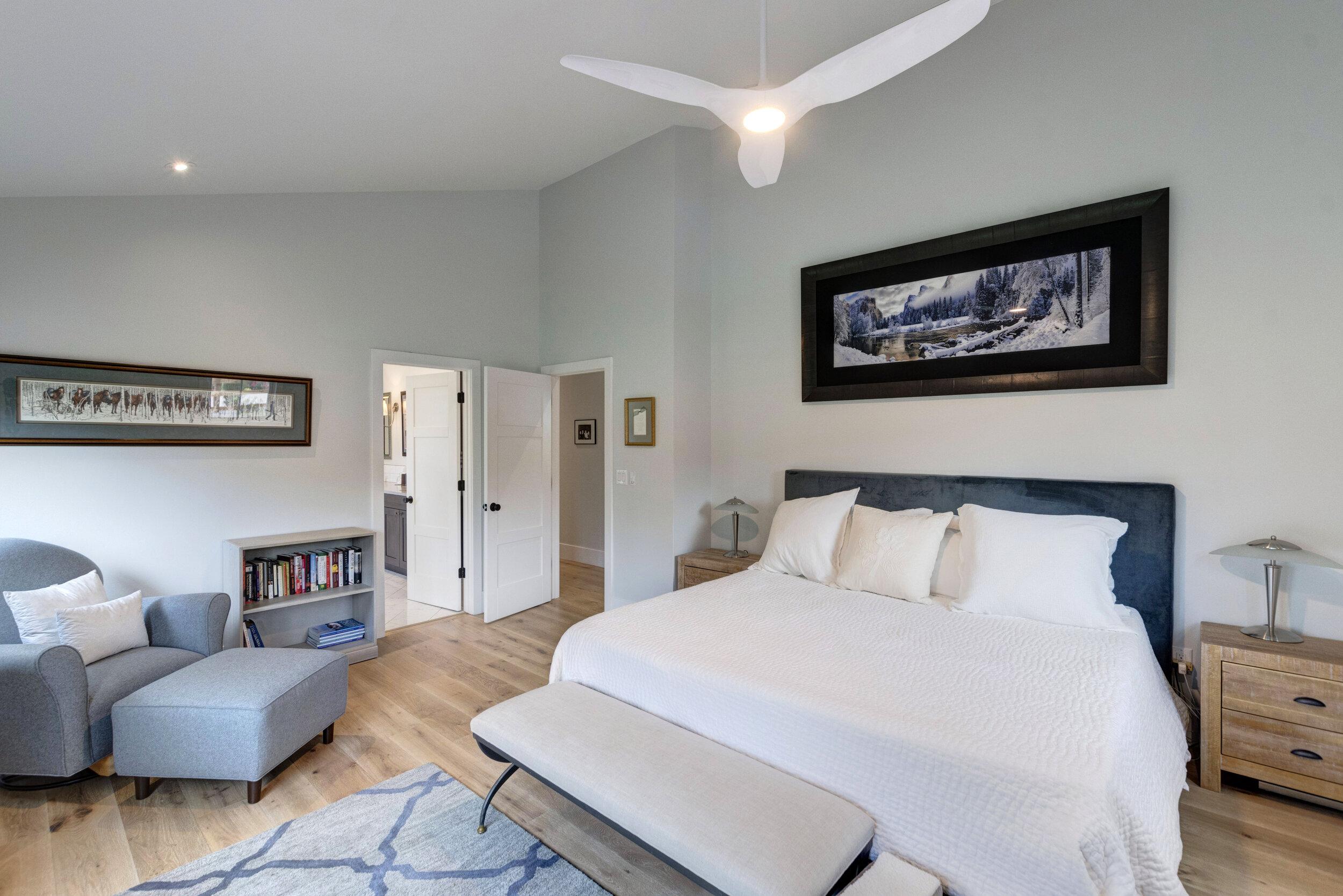 25 Master Bedroom-Alt.jpg