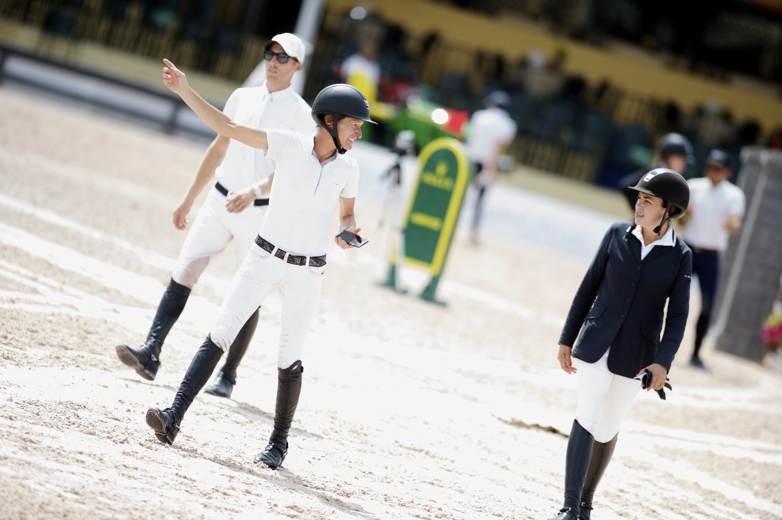USA's Molly Ashe and Brianne Goutal discuss on course