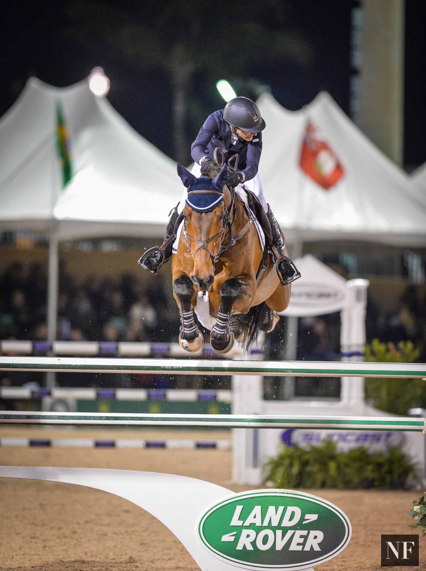 "Molly and ""Cat"" jumping to 5th place in the $380,000 Suncast Grand Prix CSI5*"