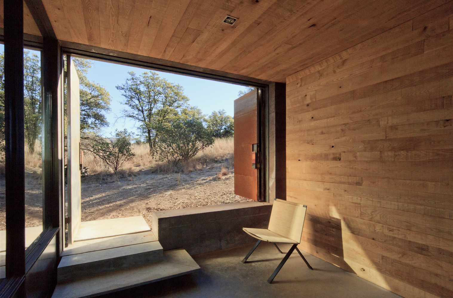 "Casa Caldera by DUST Architects is a completely custom-built Tucson, Arizona retreat. ""Only thirty yards of waste, one roll-off, was created in the making of Casa Caldera."" While a beautiful project, this type of eco-footprint needs to be made available to more than just an eco-elite."