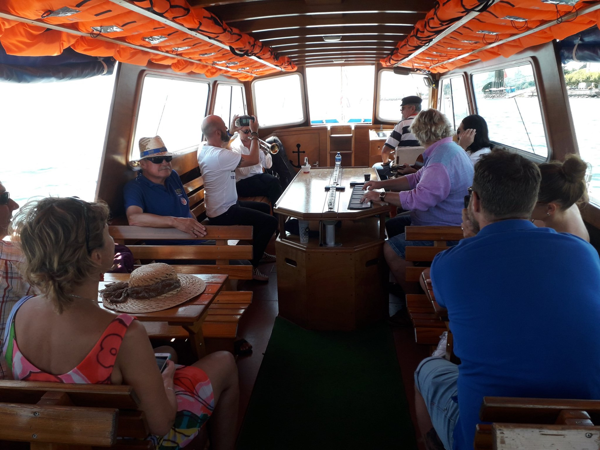 Rive Jazzy Boat6.jpg