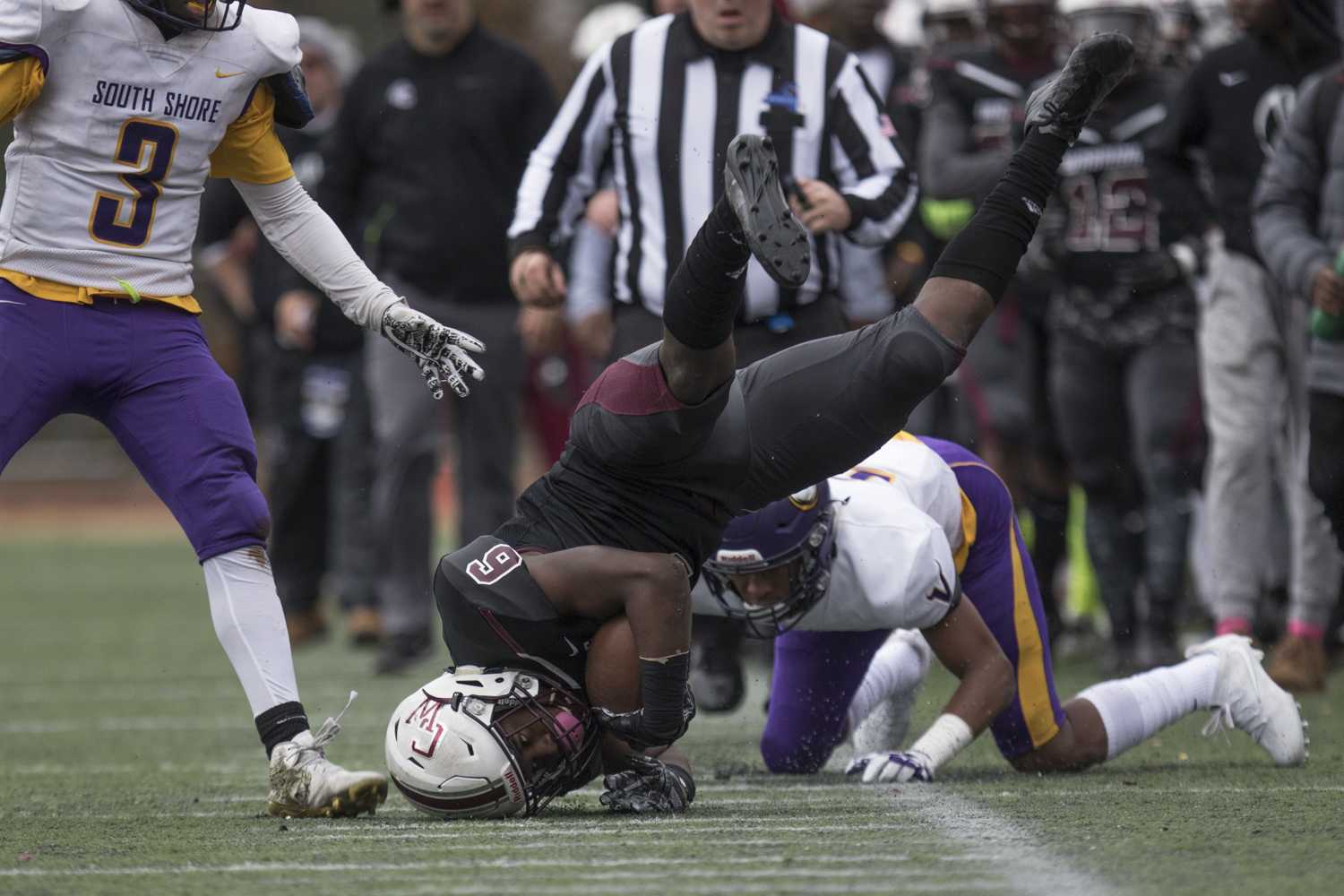 Curtis Wide Receiver Brandon Thornton (#6) dives to catch the ball on November 18, 2017.