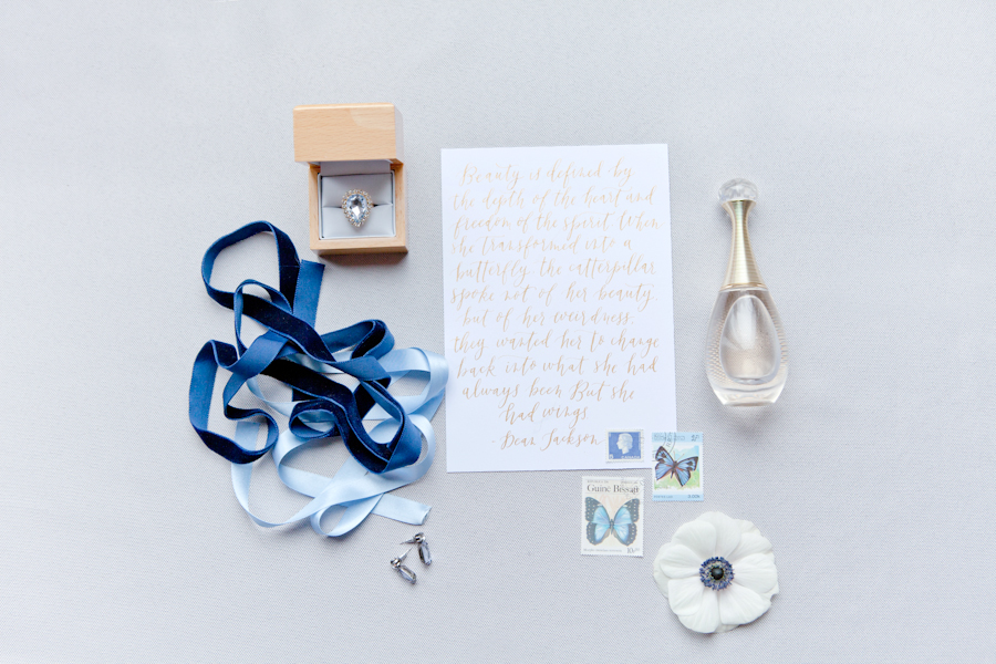 modern_calligraphy_poem_blue.jpg