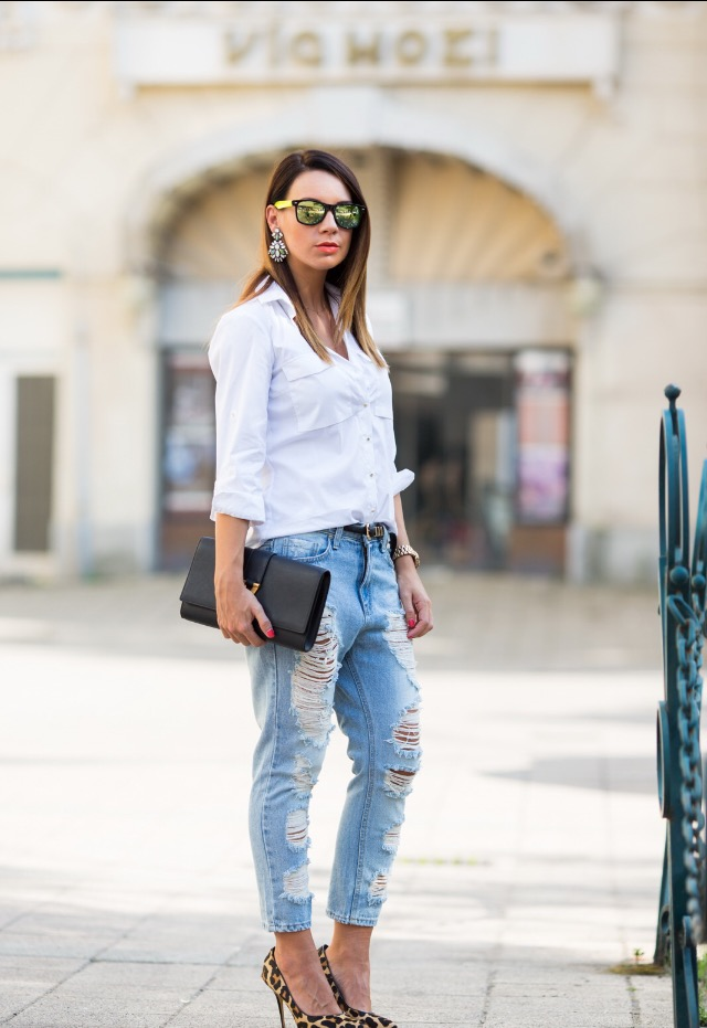 If you tend to move in the direction of a conservative/casual style, pull out your classic white shirt this week. It will work just as well with your favorite jeans. Or for the ladies try a playful A-line skirt, which allows you the freedom to be bold with accessories.