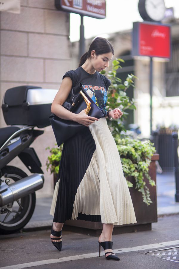 pleated-maxi-skirt-mules-vintage-rocker-tee-graphic-tee-summer-spring-blogger-via-a-portable-package.jpg