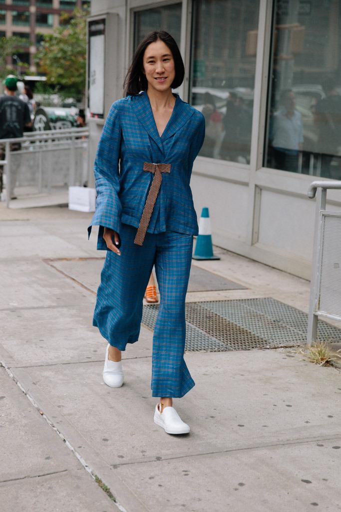 new-york-fashion-week-spring-2016-street-style-sneakers-2.jpg