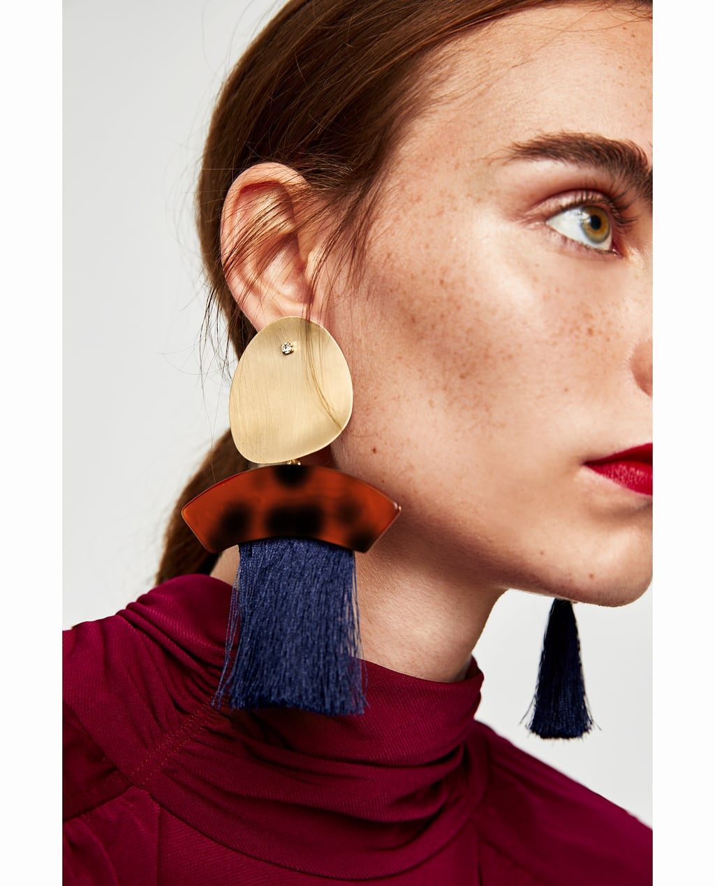 ZARA EARRINGS WITH FRINGE AND METAL