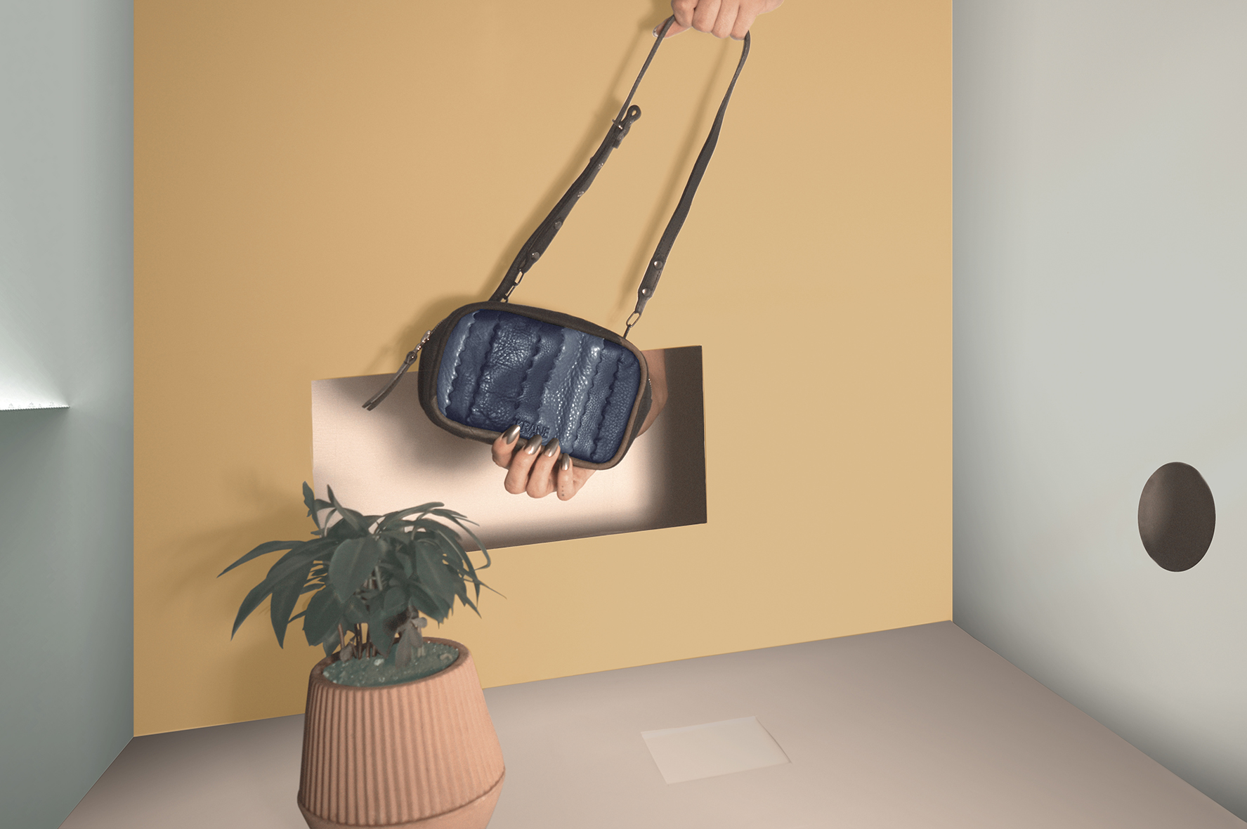 web_final studio_beltbag.jpg